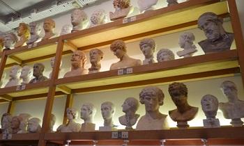 L'Atelier de moulage du Louvre et des musées de France.
